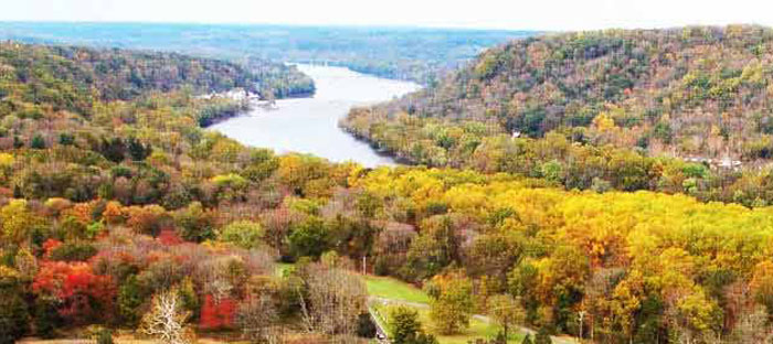 Fall is a wonderful time to enjoy shopping, dining, and the wonderful sights in Lambertville, Hunterdon County NJ